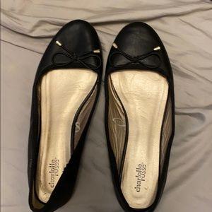 Shoes - Basic black flats